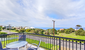 Accommodation Image for Whale Views Beachhouse