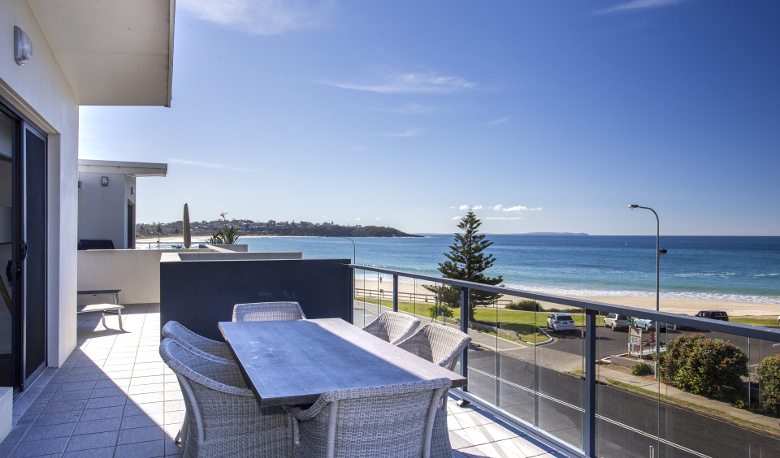 Accommodation Image for Mollymook Beachfront Luxury