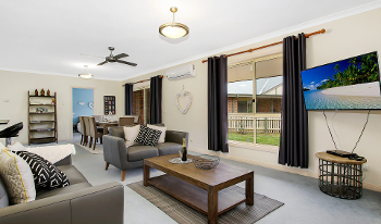 Accommodation Image for Valley View Townhouse
