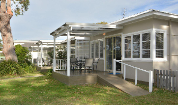 Accommodation Image for Calm Waters Cottage 1