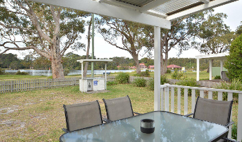 Accommodation Image for Calm Waters Cottage 4