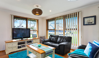 Accommodation Image for Sea Eagle Beach House