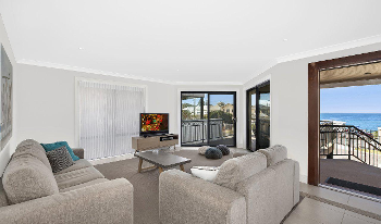Accommodation Image for Blue Bay Beach House