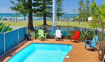 Accommodation Image for Beach House Holiday