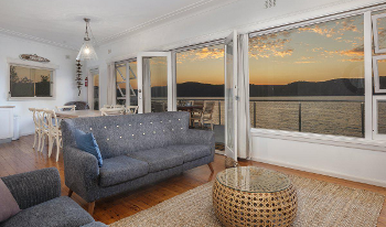 Accommodation Image for Barrenjoey Beach House