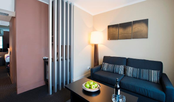 Accommodation Image for Park Suite