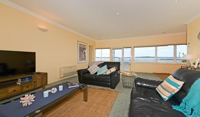 Accommodation Image for The Esplanade Kingston