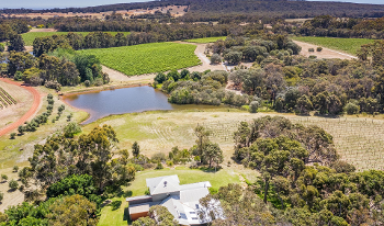 Accommodation Image for Edwards Winery Guesthouse