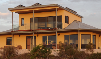 Accommodation Image for Dolphin Holiday House