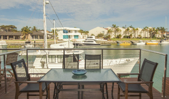 Accommodation Image for Harlequin on the Marina