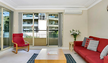 Accommodation Image for Spacious and Bright Two