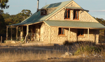 Accommodation Image for Broken Gum Country Retreat