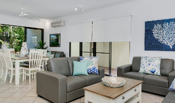 Accommodation Image for Palm Cove Retreat