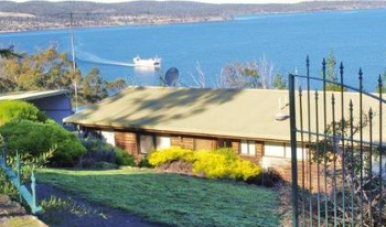 Accommodation Image for Bruny Vista Cabin