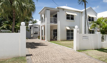 Accommodation Image for 3 Bedroom Townhouse