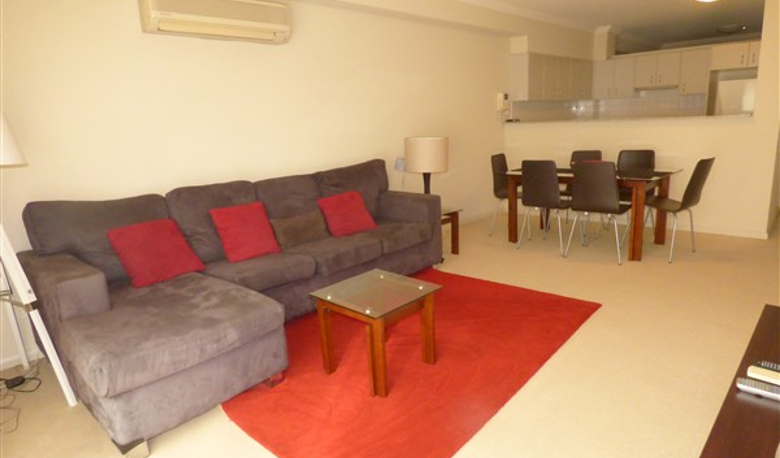 Accommodation Image for Convenient Living in the