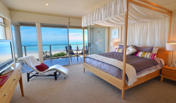 Accommodation Image for Adelaide Luxury Beach House