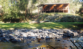 Accommodation Image for Allyn Riverside Cabins