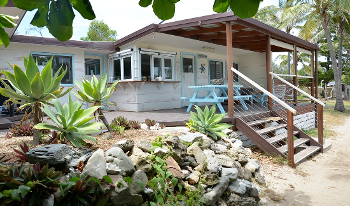 Accommodation Image for Tropical Tides Cottage