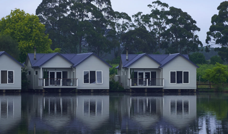 Accommodation Image for Lakeside Villas