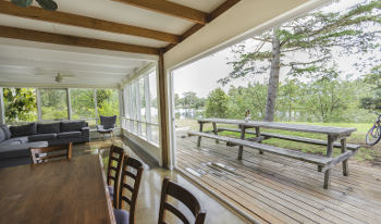 Accommodation Image for Bluff View River House