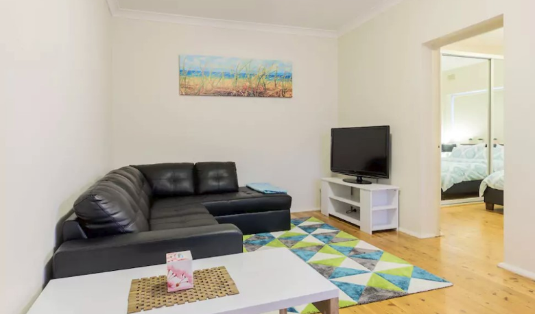 Accommodation Image for Sunny and Modern Beachside