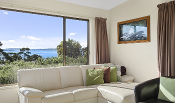 Accommodation Image for Mirramar House