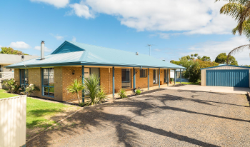 Accommodation Image for Back Beach Retreat