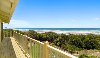 Accommodation Image for Sandpiper Beach Front House