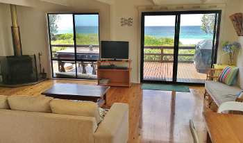 Accommodation Image for Surfside on Mollymook Beach
