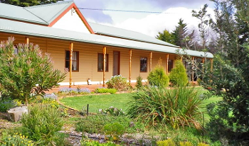 Accommodation Image for Cradle Country Cottages