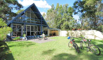 Accommodation Image for SORRENTO COTTAGE LAKESIDE